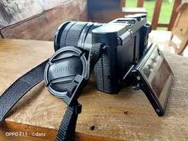 Mirrorless FujiFilm X-M1