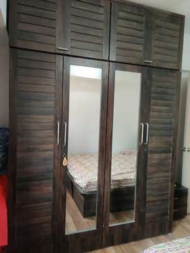 Bedroom set for sell in excellent condition