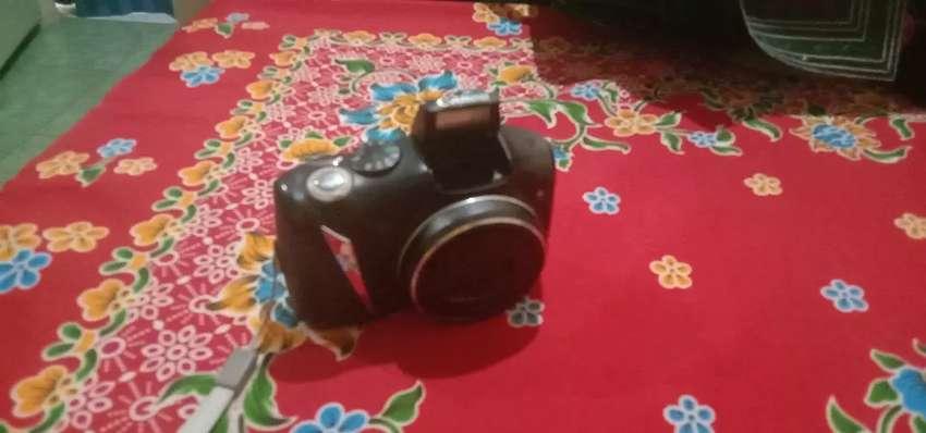 Canon SX 130 kamera digital , serang kota
