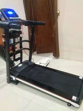 TL 607 empat fungsi Treadmill black