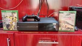 Xbox one 500gb with forza horizon 2 disc complete accessories