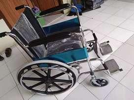 Kursi roda standrr
