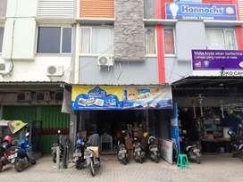 Dicari Karyawan Pria Toko Bahan Kue