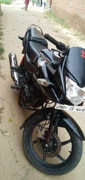 Stunner single hand bike full kagaj and very good condition