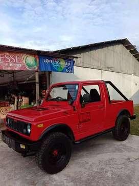 Dijual suzuki katana 4x2 warna merah