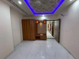 SBI LOnABLE NEAR CHITRAKOOT 3BHK FRONT BALCONY APARTMENT FLAT FOR SALE