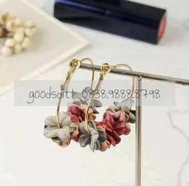 Anting bunga flower hoop gold korea women earrings dangle red ratan