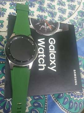 Excellent condition galaxy watch 46mm,  hardly used with 2 extra strap