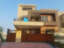 F11-Beautiful 5 Bedrooms Triple Story 333 Square Yards Full House