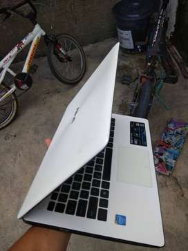 Laptop Asus dual core
