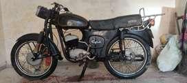 Yamaha Rajdoot 175