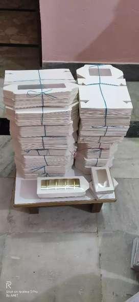 BEAUTIFUL GLOSSY WHITE 6 & 10 CAVITY CHOCOLATE BOX