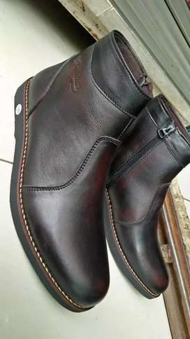 Sepati pria boots kulit asli