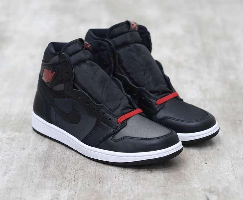 Air Jordan 1 High Black Satin 0