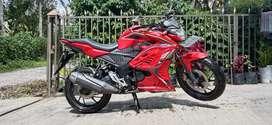 honda CB150R merah (masih mulus dan surat lengkap)harga rp.19.000.000