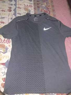 Nike dri-fit tshirt/6 months old only/size large