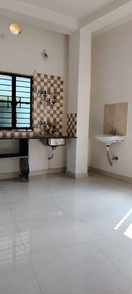 1bhk flat available in kestopur charaktola,family bechlors are allowed