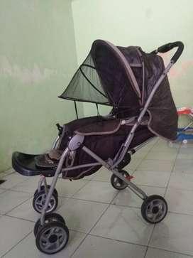 stroller pliko warna hitam