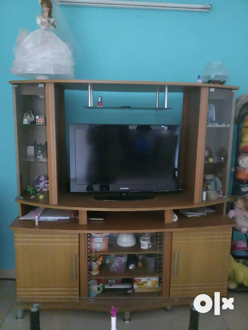 stand and tv 0