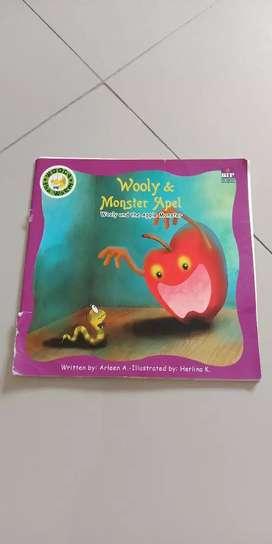 Buku cerita anak wolly