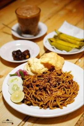 Karyawan Stand Foodcourt Mie Goreng Jahanam