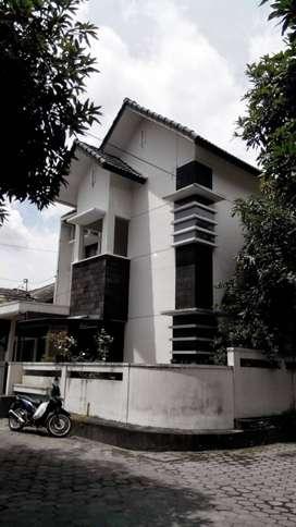 Dikontrakkan Rumah Minimalis 2 lantai, tengah kota Yogyakarta