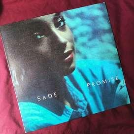 Vinyl / Piringan Hitam Sade