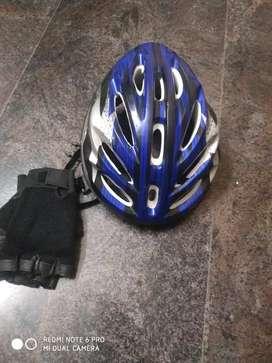 Racinghelmet for bicycleuse and racingglouse