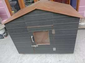 New condition Dog house for small and adult dogs