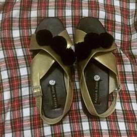 Sandal Tali Pom-pom Preloved by kayyasatin