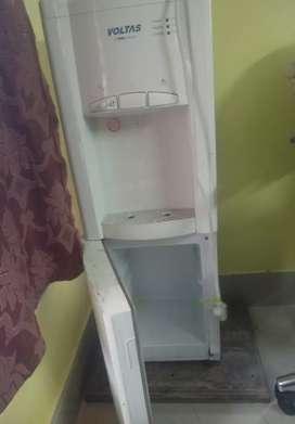 Voltas Water dispenser working condition