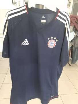 Jersey Training Bayern Munchen Original