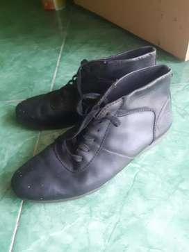 Sepatu  boot  donatelo