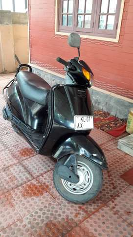 2005 Honda Activa Scooter ,Less used ,KL-07 Regdn ,For Sale :-