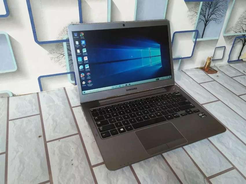 Laptop Samsung 530U Series Ultrabook Core i3-Ram4-Hdd500-Slim 0