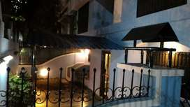 3.5 Bhk Row House For Sell In Camp