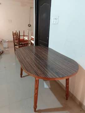 Dining table which 6 chair