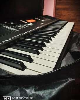 Brand new Yamaha Keyboard with stand