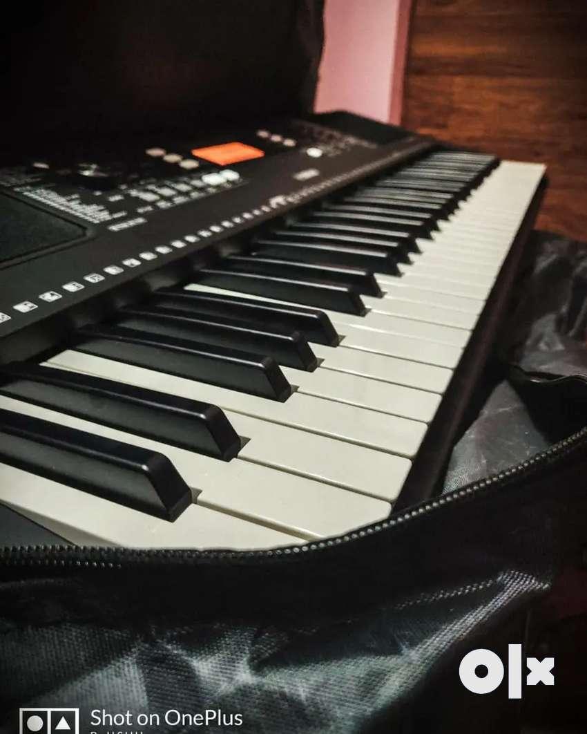 Brand new Yamaha Keyboard with stand 0