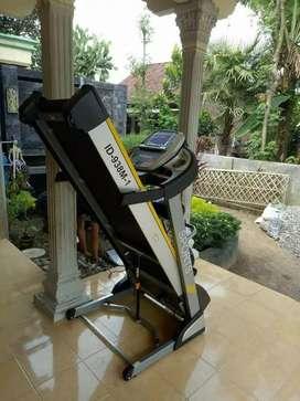 id sport type// treadmill super series 938 M1