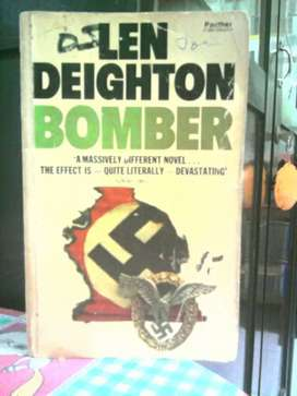 Novel Jadul : Bomber , karya : Len Deighton .