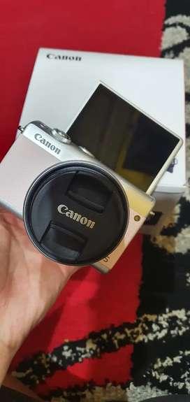 Mirrorless Canon M100 mulus like new fullset