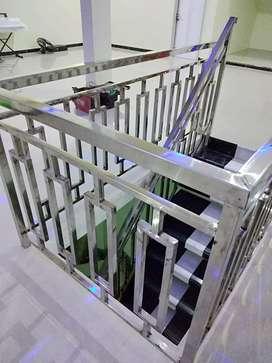 Railing  tangga dan balkon bahan stainless