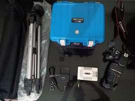 Canon 650 D , lensa Thamron 18-200 mm F/3.5 6.3 . kelengkapan lainnya.