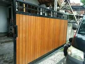 Pintu pagar variasi kayu bengkirai
