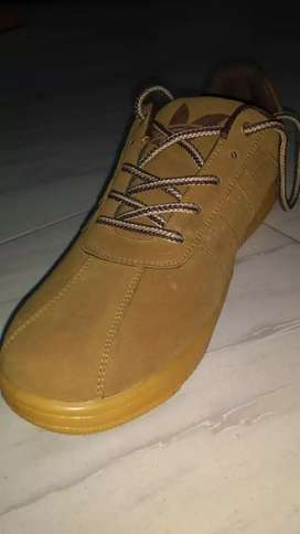CASUAL SHOE for sale.