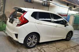 Honda jazz RS AT th 2015 (Matic), Bisa Kredit DP 25%, Mobil Asli Jatim