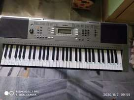 Yamaha psr-e353 best condition with bag