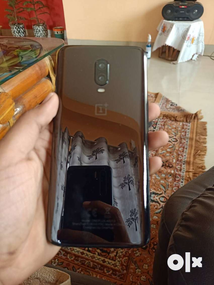 One plus 6t 8gm ram 128 internal