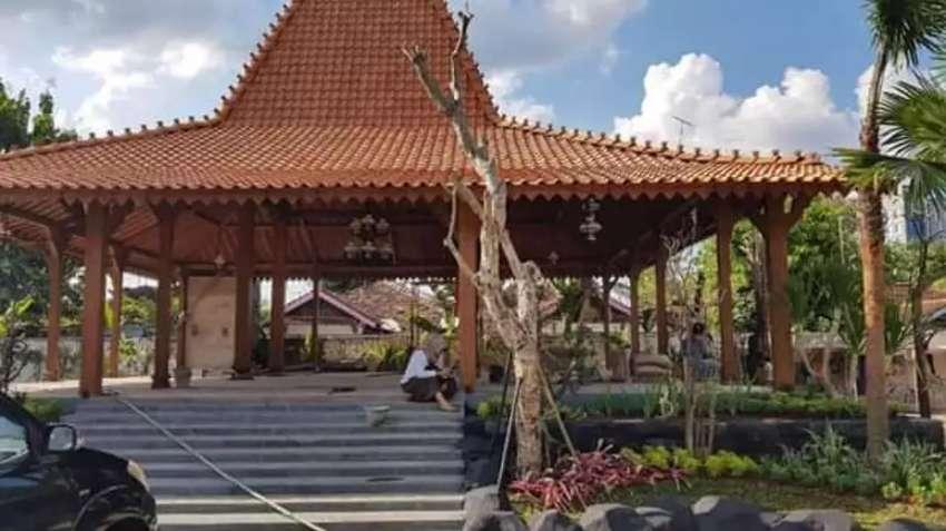 Joglo Pendopo Kayu Ukiran Tumpangsari Soko utama 20cm dan Rumah Joglo